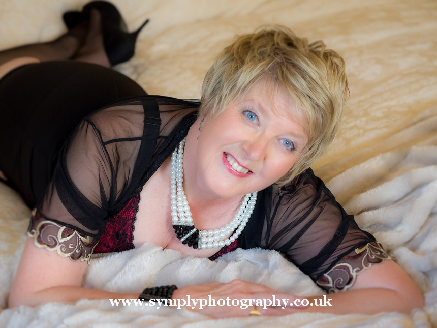 boudoir photography for the mature lady35